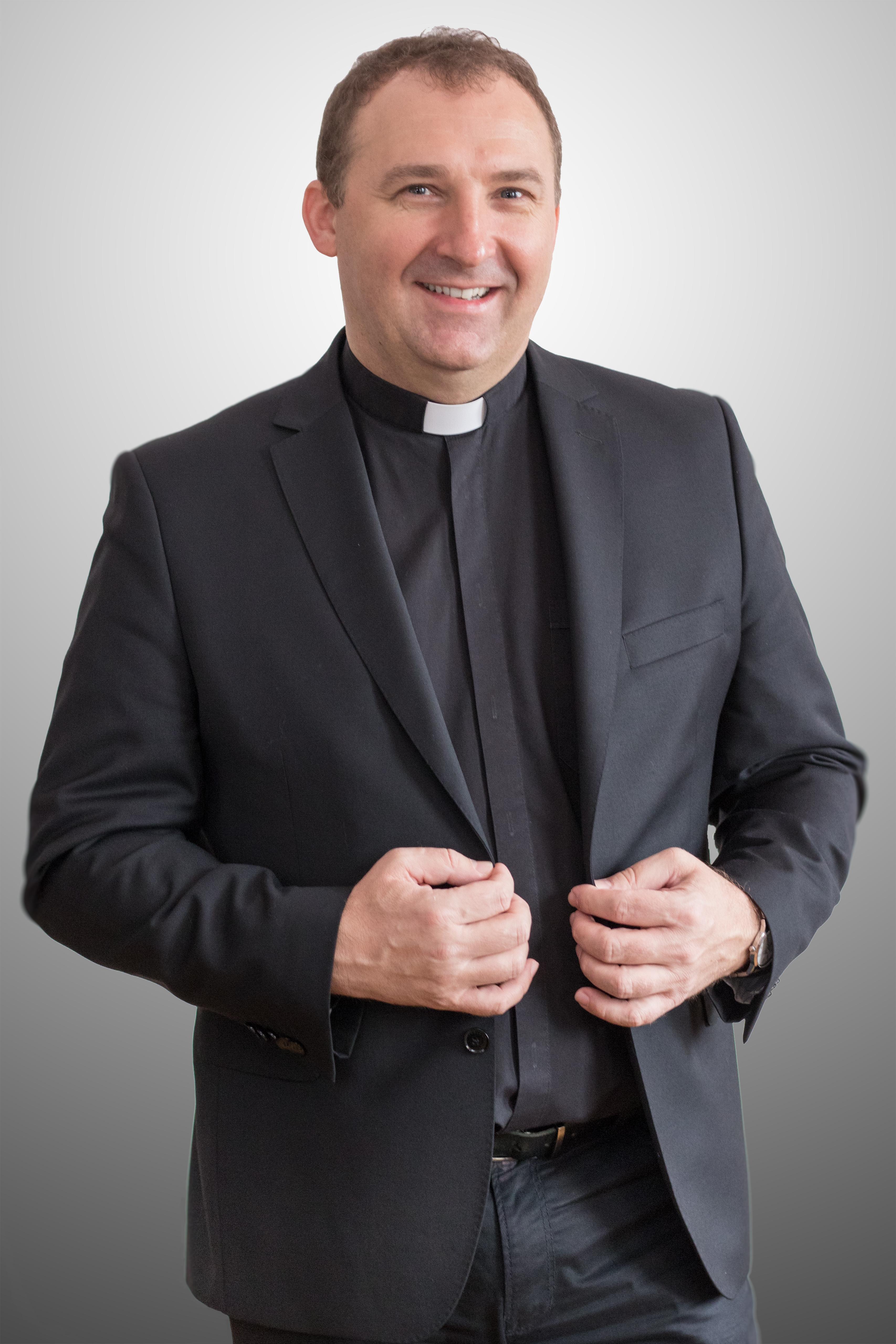Rev. Dariusz Kowalczyk